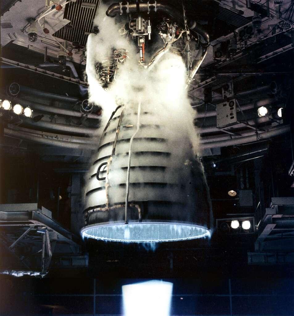 L'hydrogène et l'oxygène sont beaucoup utilisés dans les moteurs-fusées à propergols liquides. © Nasa, DP