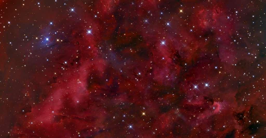 Les étoiles les plus bleues vivent le moins longtemps. C'est pourquoi les galaxies qui ont cessé de former des étoiles apparaissent plus rouges. © spirit111, Fotolia