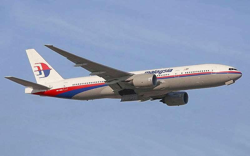 Un Boeing 777-200ER de Malaysia Airlines. Dans cette version, ce biréacteur a une autonomie maximale de 14.300 km. Le premier exemplaire a été livré en février 1997. Celui du vol MH370 avait été mis en service en mai 2002. © Malaysia Airlines, Konstantin von Wedelstaedt, GNU 1.2