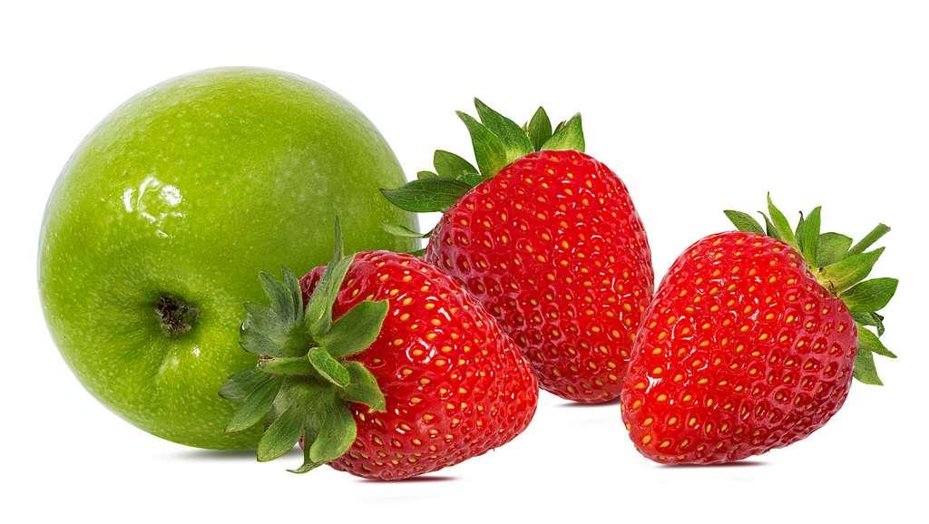 Les pommes et les fraises ont un pouvoir astringent naturel. © ilietus, Fotolia