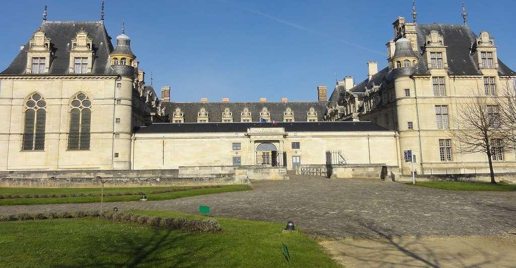 Écouen (95), château, vue générale. © Pierre Poschadel, Wikimedia commons, CC by-sa 4.0
