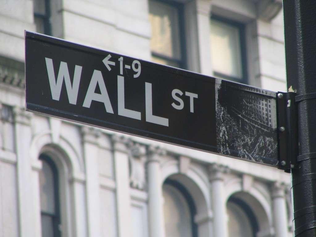 Wall Street à New York, haut lieu de la finance et point de départ de la crise de 29 qui a entraîné la ruine de nombreux investisseurs. © Rmajouji, Wikimedia Commons, CC by 2.5