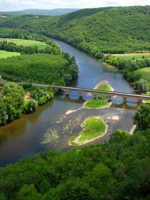 La rivière Dordogne © Luc Viatour, Wikimedia, Licence de documentation libre GNU, version 1.2