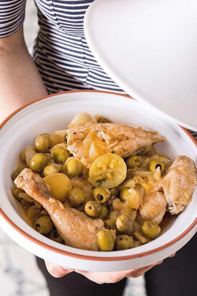Tajine de poulet aux olives et aux citrons confits © Catherine Madani