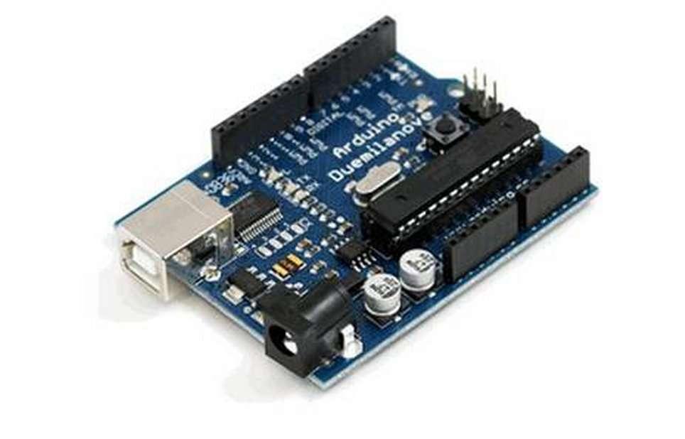 L'Arduino est la vedette des aficionados de l'open hardware. Avec ce circuit imprimé à microcontrôleur programmable, il est possible de concevoir toutes sortes d'appareils, du robot au synthétiseur sonore. © Arduino
