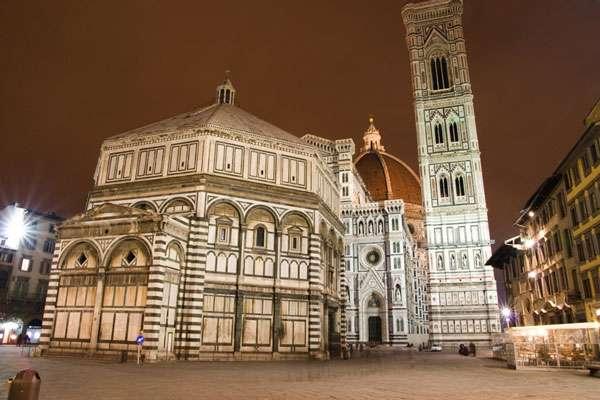 La cathédrale Santa Maria del Fiore et le campanile de Giotto. Cette cathédrale possède la plus grande coupole en appareil maçonné jamais construite. © Antonio Giavanni Bosio, CC by 2.0
