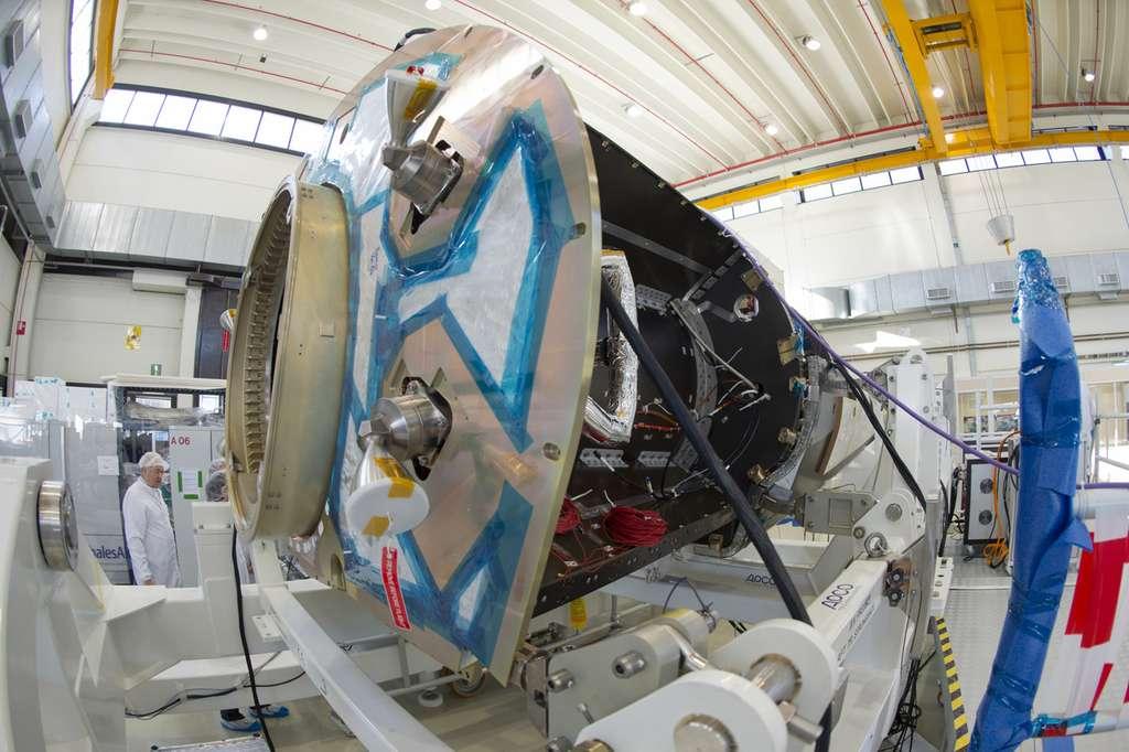 Deux des quatre moteurs du véhicule de rentrée atmosphérique. © Esa, S. Corvaja
