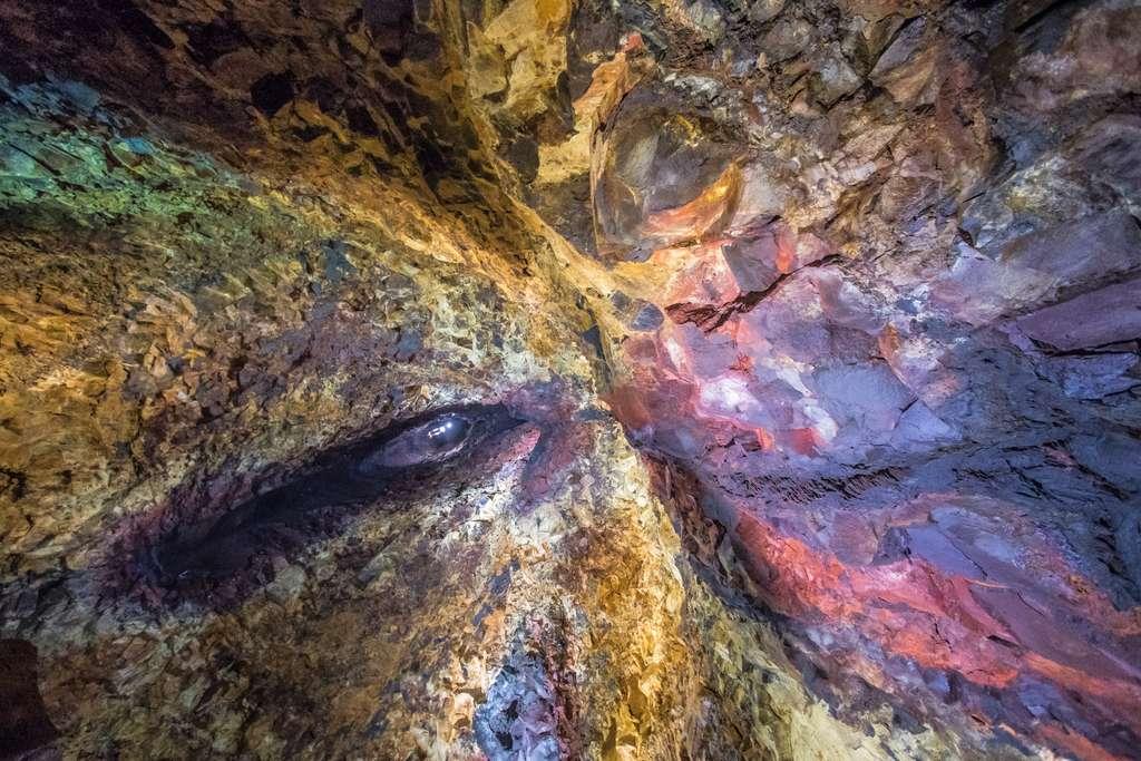 La chambre magmatique du Thrihnukagigur : V