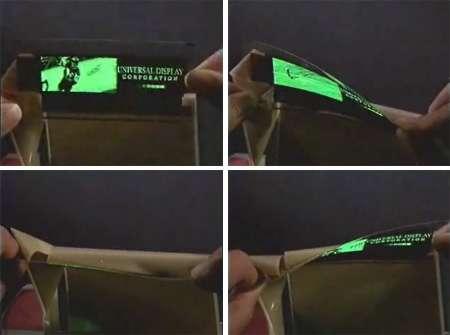 Démonstration d'un écran souple (FOLED ; prototype) affichant une image vidéo Universal Display - http://www.universaldisplay.com/foled.htm