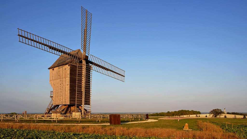 Le moulin de Valmy : célèbre symbole révolutionnaire, France
