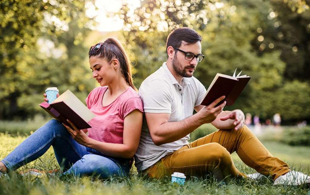 Femmes et hommes : une même tendance à s'illusionner sur l'intelligence. © bobex73, Adobe Stock