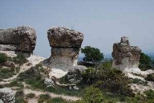 Les impressionnants rochers des Mourres. © François Michel