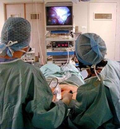 La chirurgie laparoscopique. © urologieversailles.org