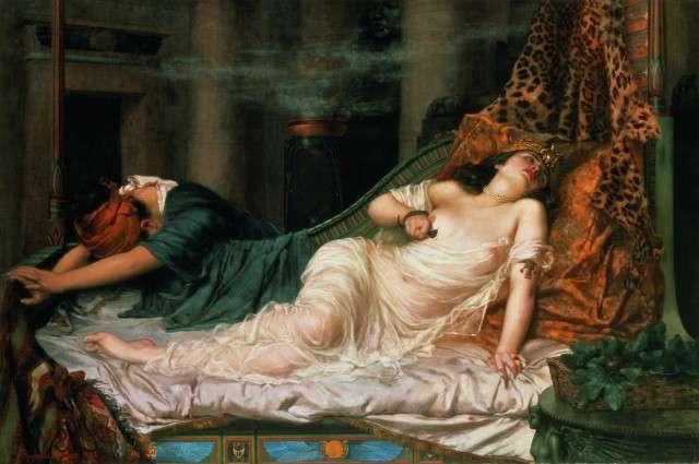Selon la légende, Cléopâtre se serait donné la mort au moyen d'une morsure de serpent. © Roy Miles, Wikimedia Commons, DP