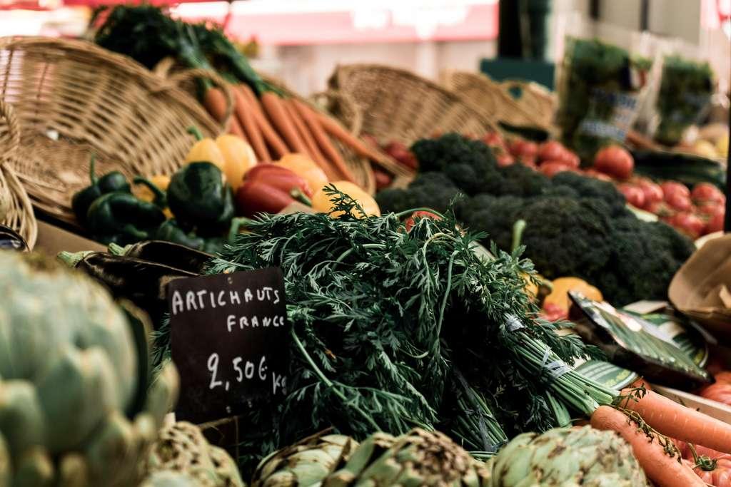 Adopter les produits cultivés localement et vendus en vrac dans les épiceries bio ou les fermes. © DR
