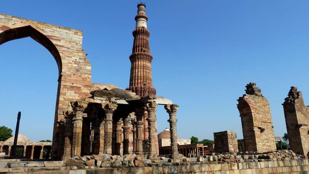 Qûtb Minâr, la plus haute tour de pierre d'Inde