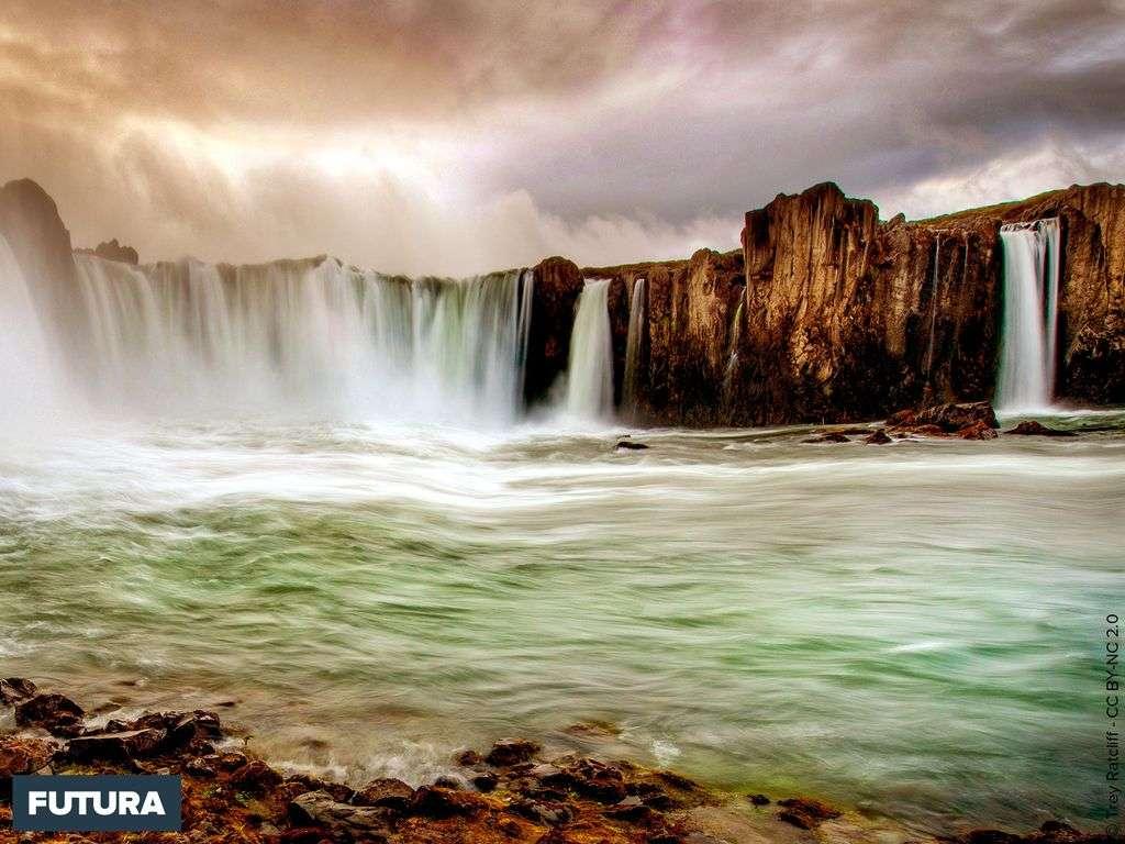 Cascade de Certain Doom - Iceland