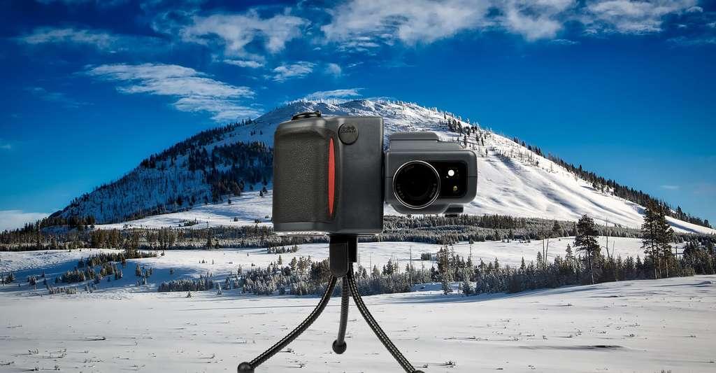 Quelle est l'histoire de la photo numérique ? Ici, un appareil photo Nikon Coolpix. © François de Dijon, CC by-sa 4.0 et Tpsdave, CCO