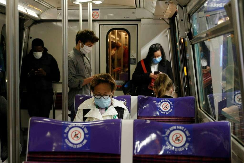Selon l'étude de l'Institut Pasteur, la France est très loin de l'immunité collective avec moins de 10 % de la population infectée dans les deux régions de l'hexagone les plus touchées ; mais le confinement a permis de protéger de nombreux Français. © Geoffroy van der Hasselt, AFP
