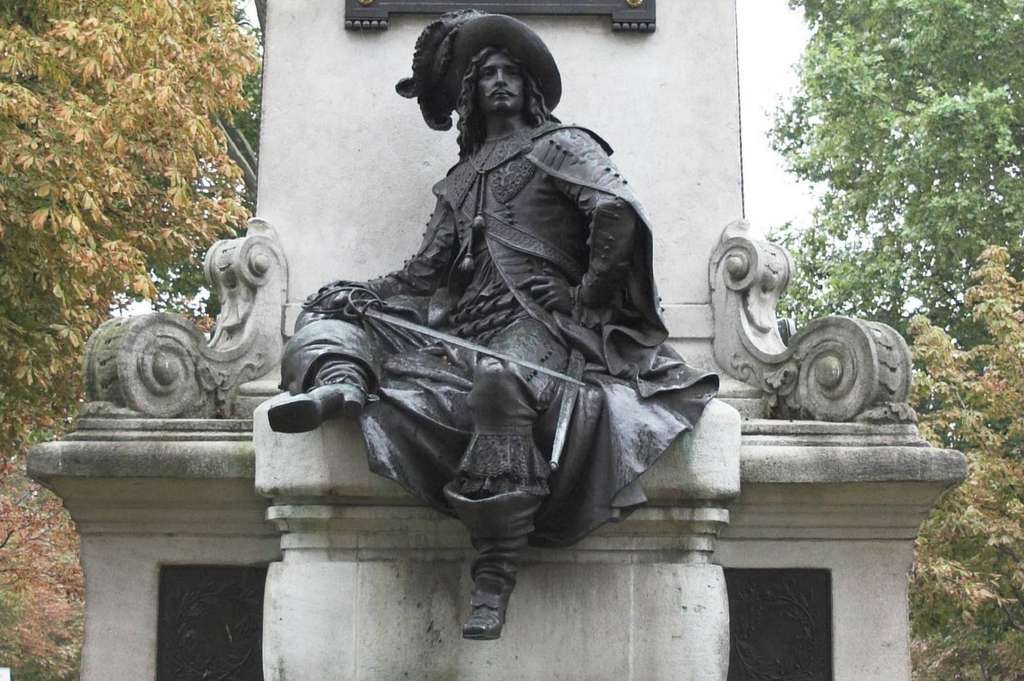 Statue en bronze de d'Artagnan (imaginé par Alexandre Dumas), par Gustave Doré en 1883, située place du Général Catroux à Paris. © Wikimedia Commons, domaine public