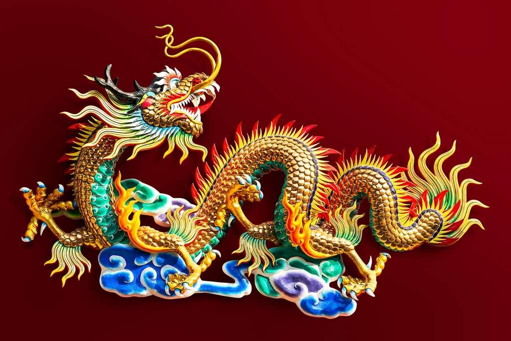 Dans la mythologie chinoise, le dragon possède un corps de serpent et des griffes d'aigle. © fotoslaz, Adobe Stock