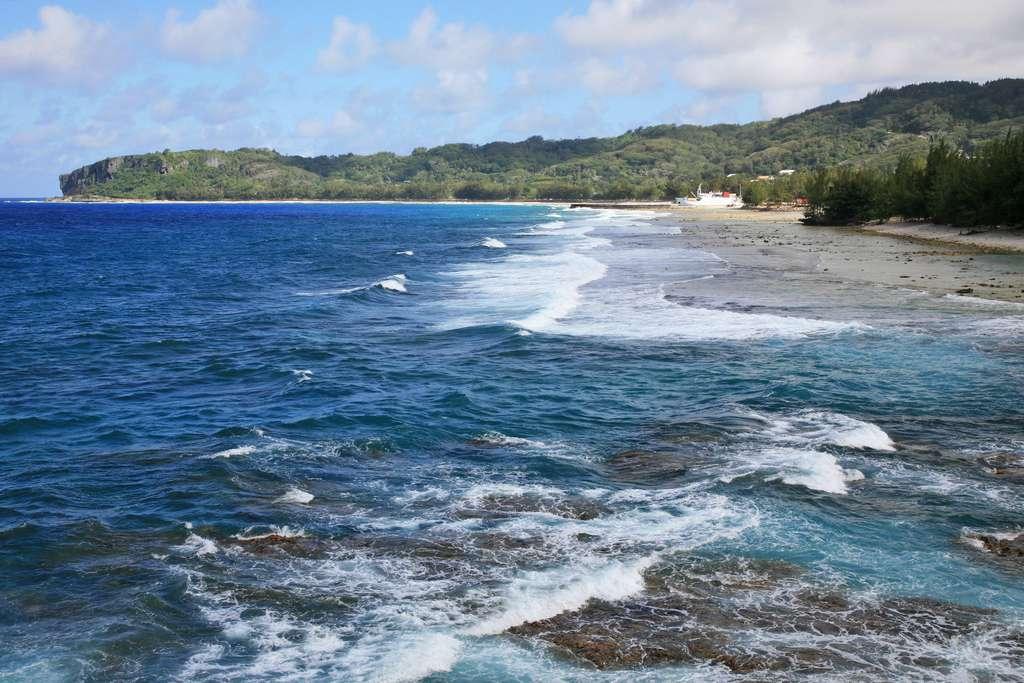 Baie d'Avera sur l'île de Rurutu