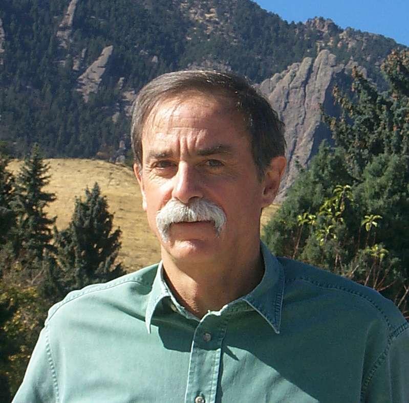 Le prix Nobel de physique David Wineland est un des pionniers des expériences sur la décohérence quantique. Il explore la voie des pièges à ions pour réaliser des ordinateurs quantiques. © NIST