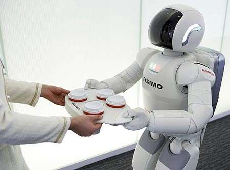 Asimo, de Honda, est un pionnier des expérimentations sur les possibilités et l'intérêt de caractéristiques humanoïdes. Il a depuis inspiré des laboratoires et des entreprises. © Honda