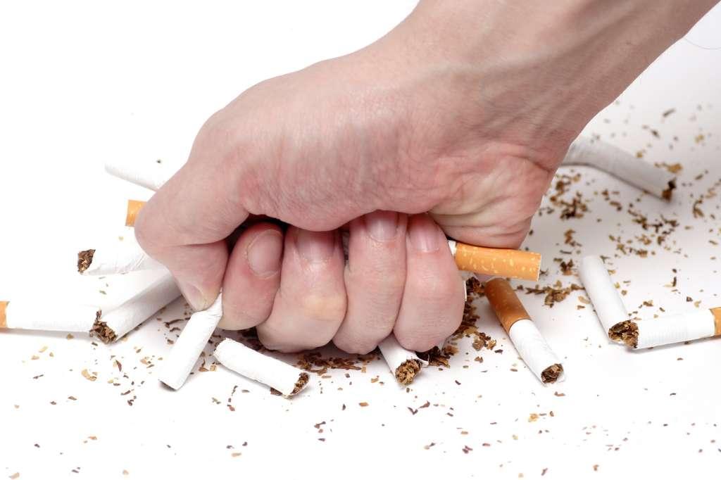 La cigarette électronique permet de réduire sa consommation de tabac. © Stepan Popov, Fotolia