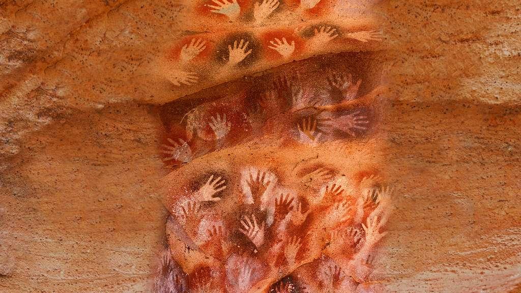 Partout dans le monde, les artistes ont ponctué leurs fresques rupestres de mains, des motifs qui restent énigmatiques. © Dunod, tous droits réservés