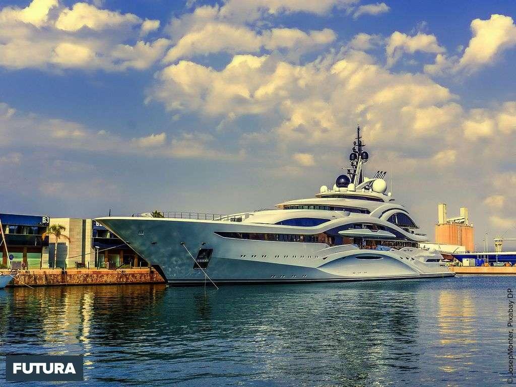 Yacht de luxe pour les croisières