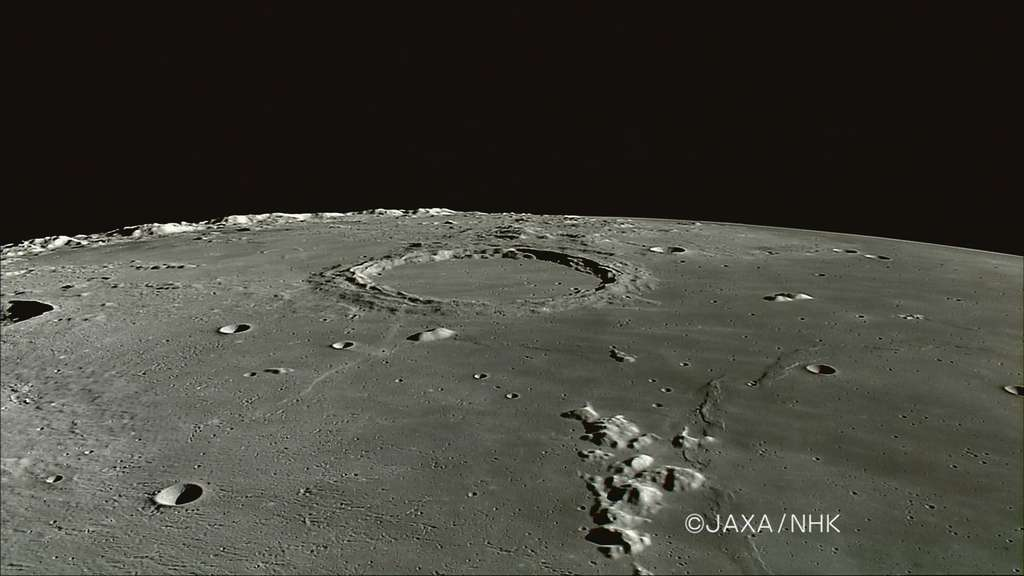 Photo du cratère Archimède et des Montes Spitzbergen