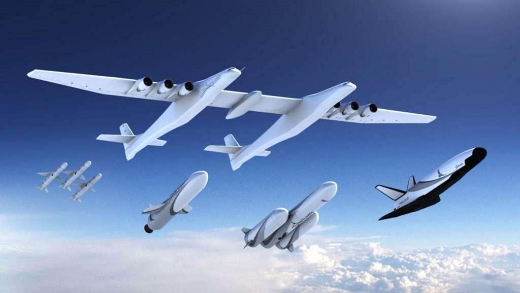 L'architecture du Stratolaunch est semblable à celle du Eve WhiteKnight Two de Virgin Galactic, l'avion porteur du SpaceShipTwo. L'appareil dispose d'une envergure de plus de 117 mètres et pèse 226 tonnes. © Stratolaunch