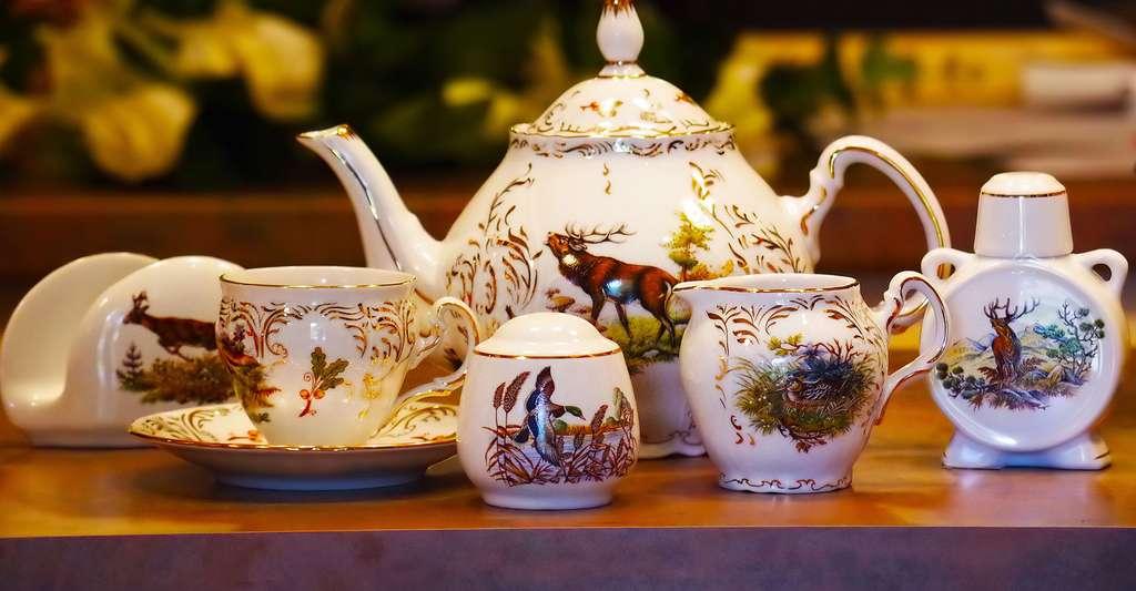 Porcelaine de Limoges décor chasse. © Ajale, Pixaby, DP