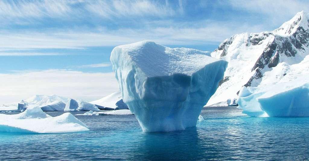 Iceberg en Antarctique. © Robynm, Pixbay, DP