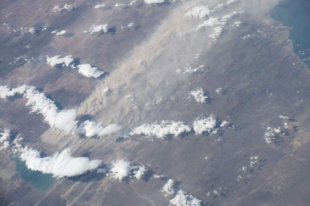 Des tempêtes de poussière sur la Patagonie vues depuis la Station spatiale internationale (ISS). © Nasa