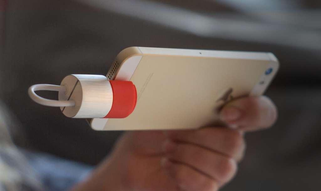 Une clé USB3/Lightning qui permet de recharger son iPhone et de profiter de stockage supplémentaire. © PKparis