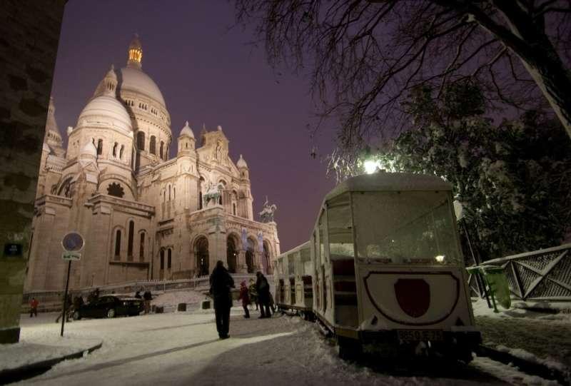 Paris, le Sacré Cœur sous la neige. © Vincent Haefliger