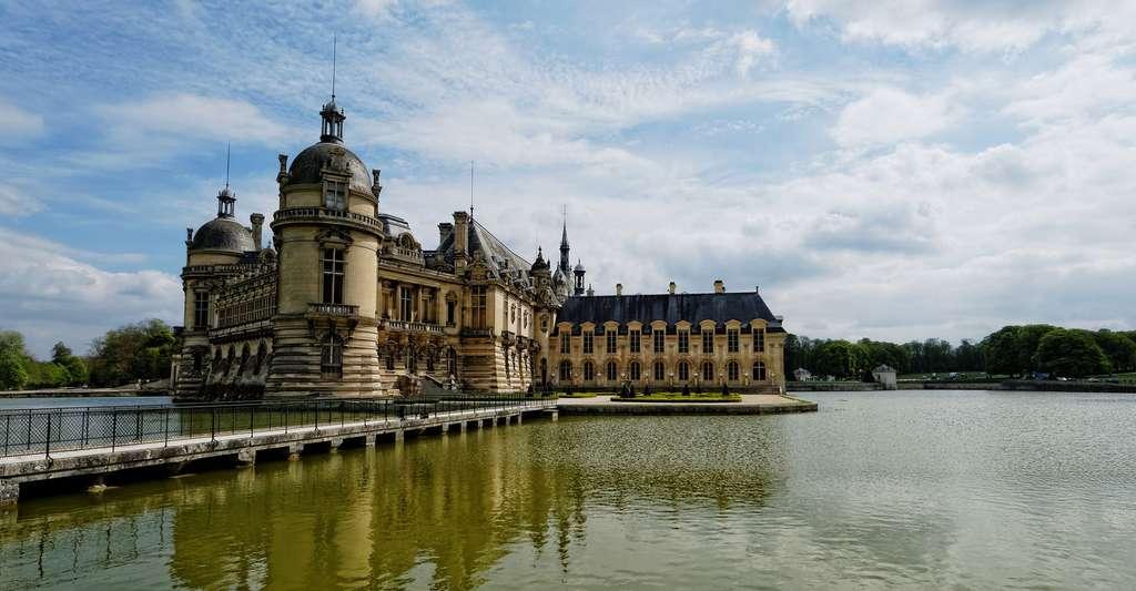 Le château de Chantilly est une des visites à faire dans le département de l'Oise. © SofiLayla, Pixabay, DP