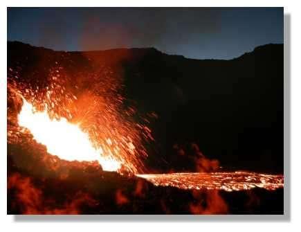 Eruption du 11 Juin 2003 © Photo Philippe Mespoulhé