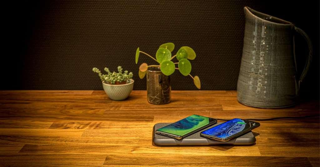 Avec Zens Liberty, il sera possible de recharger deux smartphones en même temps. © Zens Liberty