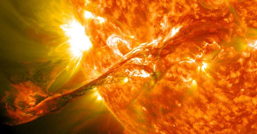 L'éjection de masse coronale résultant de ce filament solaire géant photographié le 31 août 2012 a voyagé à environ 1.500 kilomètres par seconde. © Nasa Goddard Space Flight Center, Wikipedia, CC by-2.0