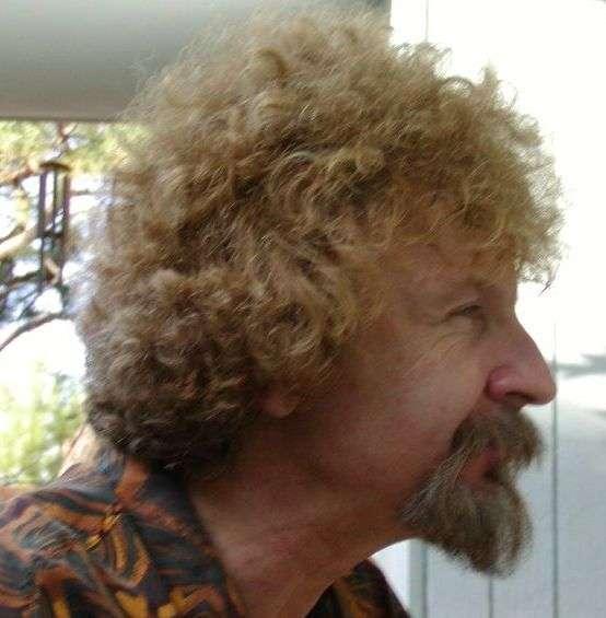 Wojciech Hubert Zurek (né en 1951) est un physicien d'origine polonaise membre du Los Alamos National Laboratory. Il est surtout connu par ses travaux sur la théorie de décohérence quantique. © University of Waterloo