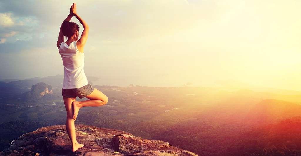 Dans certains cas, le yoga permettrait de réduire ou de mieux supporter un traitement. © Izf, Shutterstock