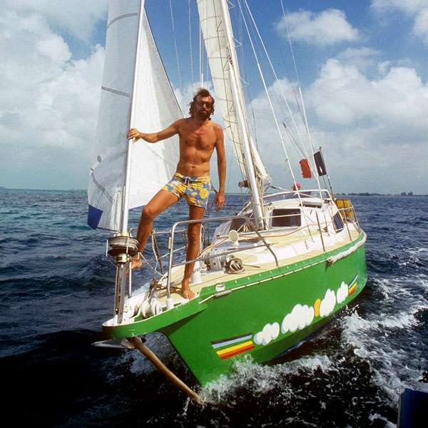 Antoine sur le sloop Voyage. © Jean-Pierre Laffont, DR