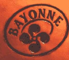 Sceau apposé sur chaque jambon de Bayonne. © Emile Pujolle Licence Creative Commons Paternité – Partage des conditions initiales à l'identique 3.0 Unported