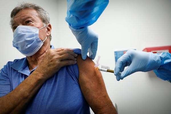 Le vaccin a été principalement testé chez les moins de 55 ans, il faut désormais savoir quelle est son efficacité chez les seniors. © Vasilis Asvestas, Shutterstock