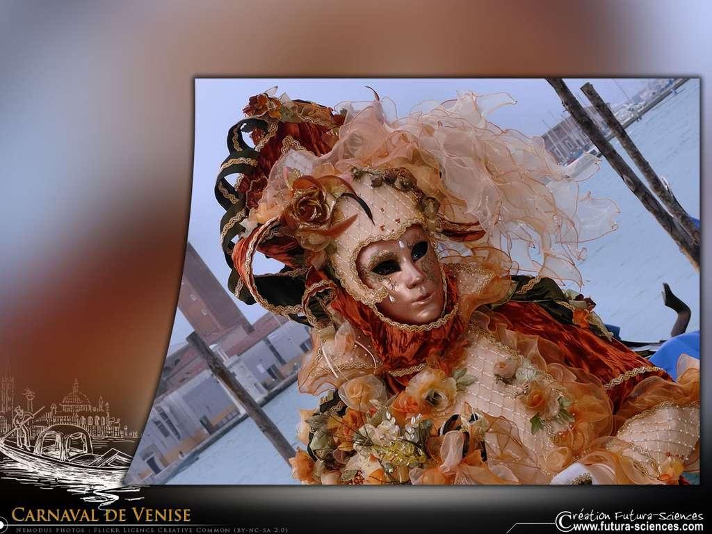 Carnaval de Venise - Femme fleurs