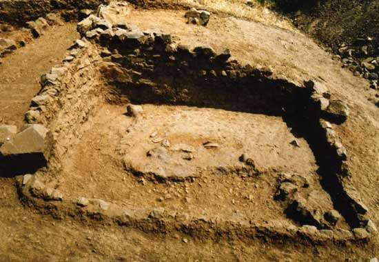 Fig. 12 : Vue d'une construction quadrangulaire de la phase Ñañañique (XI ème-VIIIème siècle BC) © J. Guffroy IRD