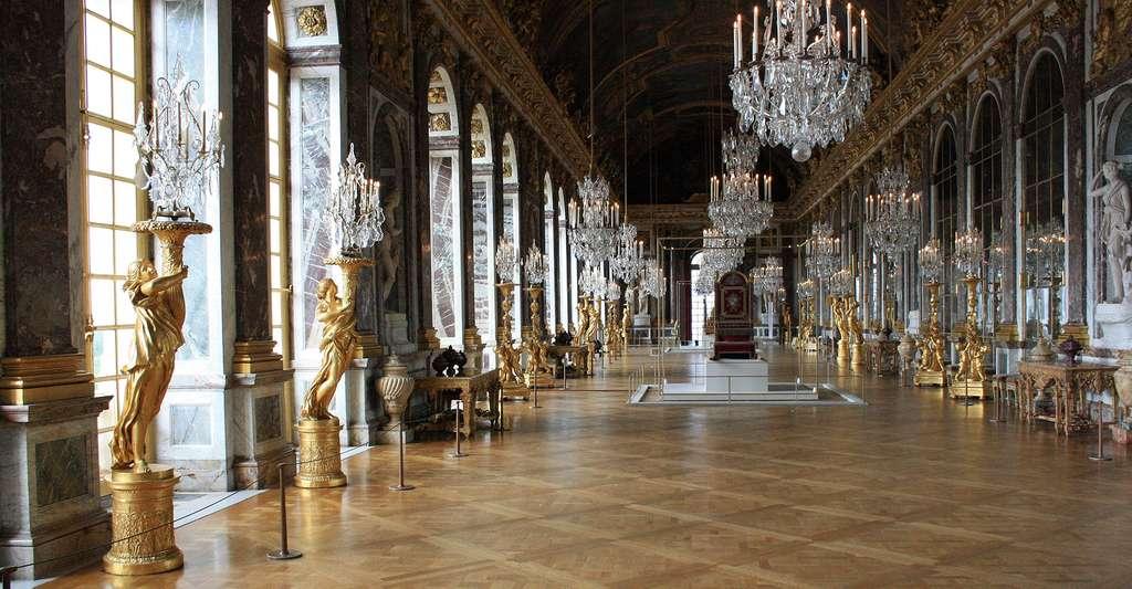 Les miroirs de la galerie des Glaces, au château de Versailles. © Myrabella, Wikipédia, CC by-sa 3.0